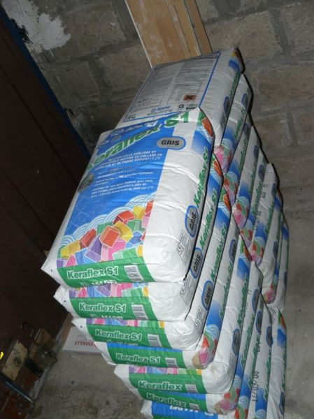 Carrelage cellier notre construction for Colle a carrelage mapei